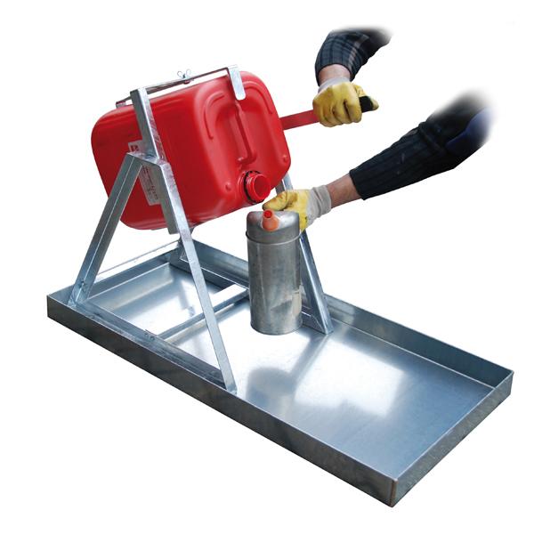 kanister abf llhilfe f r 20 25 liter kanister stahlblech. Black Bedroom Furniture Sets. Home Design Ideas
